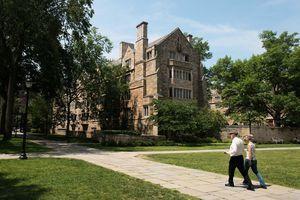美司法部:耶魯大學招生歧視亞裔和白人