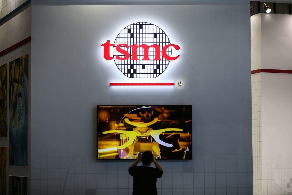 美國商務部正式對中芯國際開鍘,中芯國際大量存貨。圖為半導體晶圓代工全球排名第一的台積電集團。(STR/AFP via Getty Images)