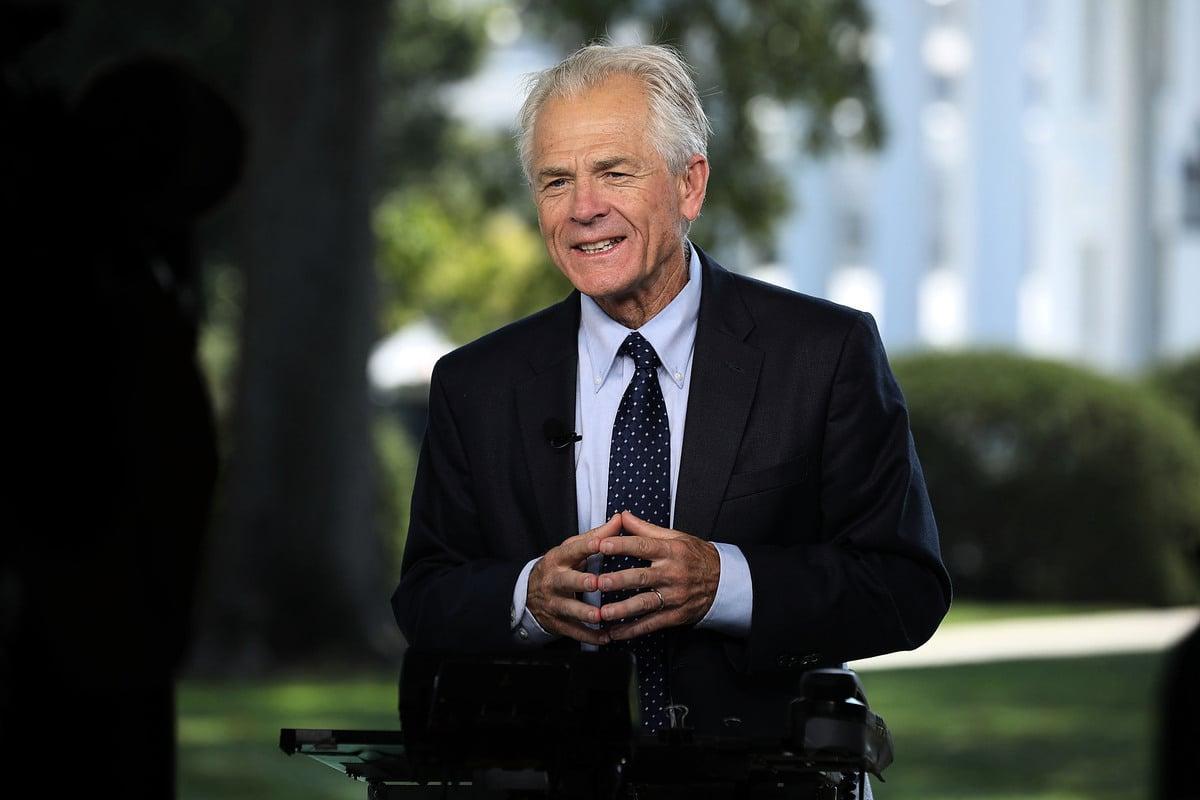白宮貿易顧問納瓦羅(Peter Navarro)週二(10月23日)表示,美中貿易戰何時消停沒有時間表,「球在中國(中共)的手上」,不過「中共走在錯誤方向」。(Chip Somodevilla/Getty Images)