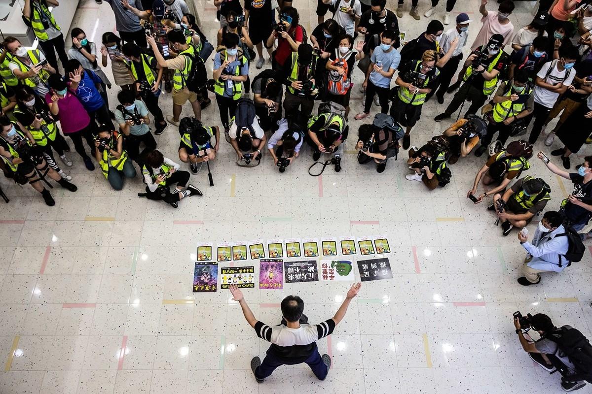 5月10日,香港市民在商場等地抗議。(ISAAC LAWRENCE/AFP via Getty Images)