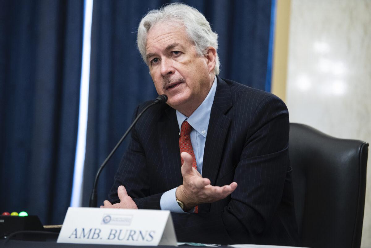 2021年2月24日,中央情報局(CIA)局長提名人威廉.伯恩斯(William Burns)在華盛頓國會山羅素參議院辦公大樓(Russell Senate Office Building)舉行的參議院特別情報委員會(Senate Select Intelligence Committee)任命聽證會上作證。(Tom Williams-Pool/Getty Images)