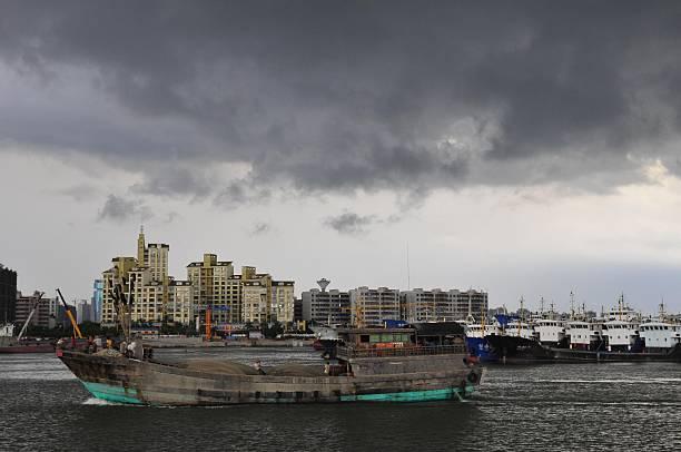 中共要建海南自貿港,業界認為國際社會不會買帳,海南更不會替代香港。 圖為海南海口市一景。(Getty Images)