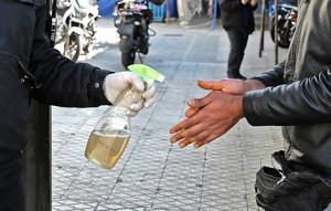 喝酒防治中共肺炎 伊朗44人中毒身亡