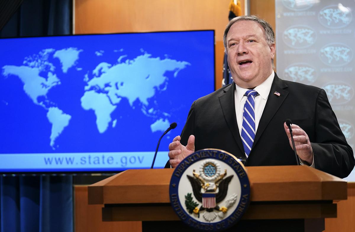 2020年5月6日,美國國務卿蓬佩奧(Michael R. Pompeo)在國務院主持新聞發佈會。(KEVIN LAMARQUE / POOL / AFP)