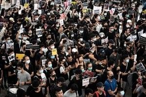 【8.13反送中組圖】港人怒吼未息 機場集會再塞爆