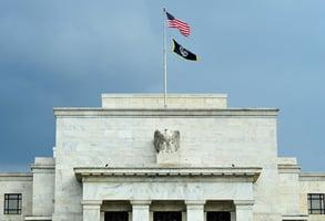 美聯儲暗示縮表 美股受挫 恐慌指數飆升20%