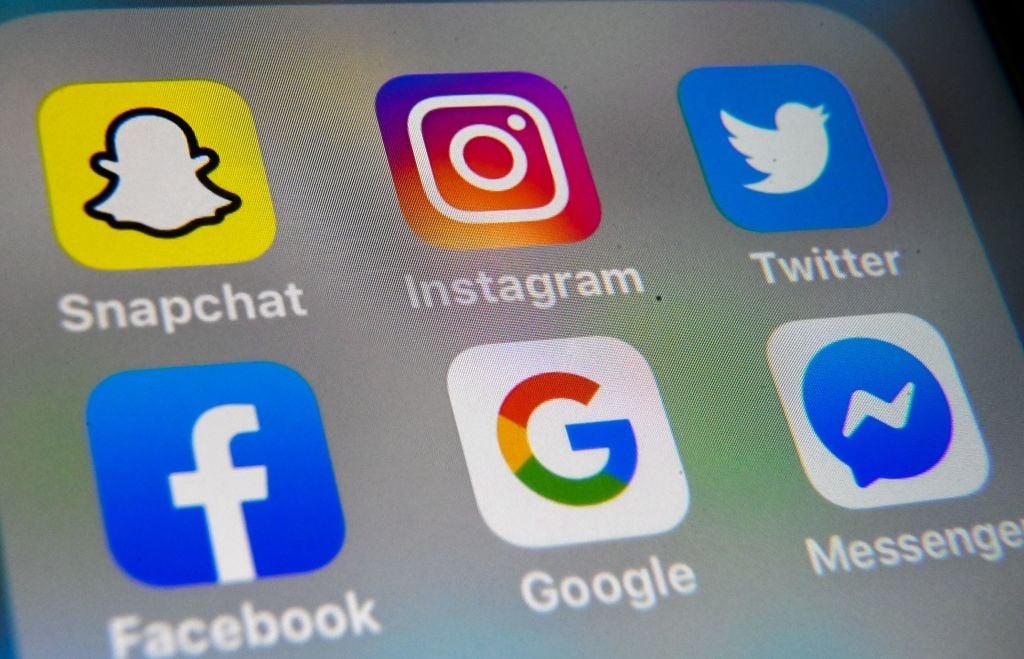 Facebook、推特和Google等科技巨頭圖標。(DENIS CHARLET/AFP via Getty Images)