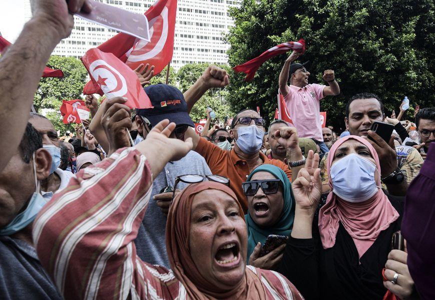 突尼西亞總統擴張個人權力 民眾聚首都突尼斯抗議(多圖)