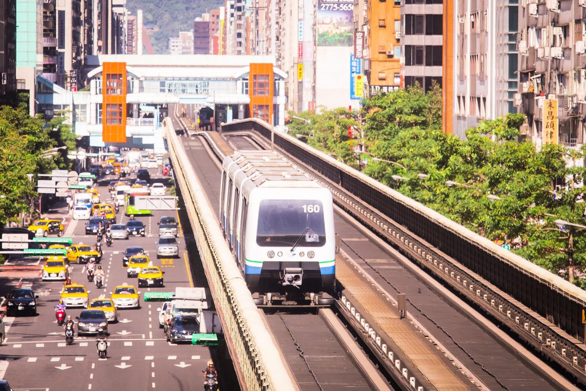 立委鄭寶清指出,北捷、台鐵、高鐵的無線網絡系統都由台灣迅聯通信標走,而該公司跟中國京信通信是同一家公司。圖為台北捷運。(陳柏州/大紀元)
