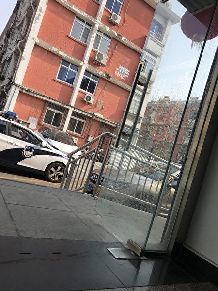 李昭秀在北京街上走路被綁架。(受訪者提供)