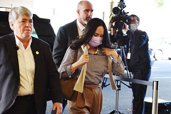 華為財務總監孟晚舟的引渡案2020年9月28日開庭。圖為孟晚舟到達法庭。(DON MACKINNON/AFP via Getty Images)