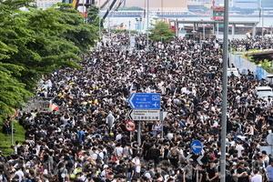 林鄭用「母親論」辯解 遭逾萬名母親砲轟