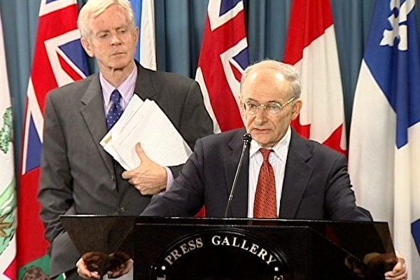 2006年7月,國際著名人權律師大衛·麥塔斯(David Matas,講話者)和加拿大前亞太司司長、資深國會議員大衛·喬高(David Kilgour)的調查確證,在中共統治下的中國,至少5年多來一直存在大量活體摘取法輪功學員器官販賣牟利的系統犯罪。(大紀元)