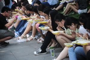 中共規定研究生導師「十不得」 輿論熱議