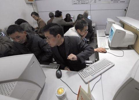 中共鉗制言論,媒體網絡封鎖,建防火長城屏蔽網民。(Getty Images)