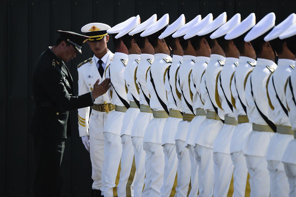 美國外交政策專家卡拉法諾(James Jay Carafano)日前發文稱,儘管中共極力慶祝建政70周年,但無法掩藏背後潛在的5大問題。(WANG ZHAO / POOL / AFP)