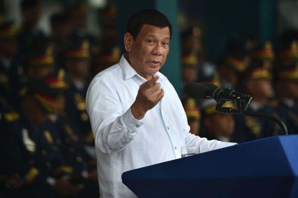 過去一周,菲律賓總統杜特爾特兩次抨擊中共,敦促北京在有爭議的南海問題上「重新掂量」並「緩和行為」。(TED ALJIBE/AFP/Getty Images)