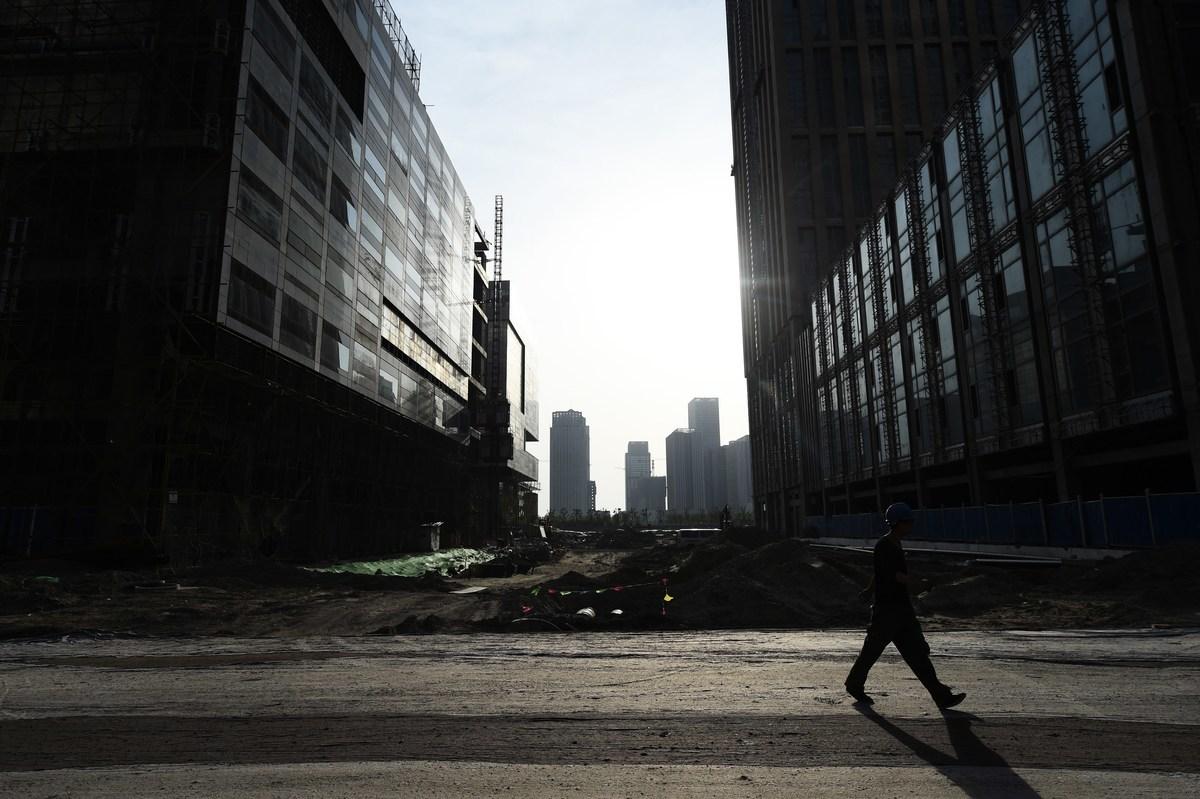 2020年中共高層和官媒多次喊話地方政府,被指中共經濟困頓、政令混亂,現在已經黔驢技窮。 (GREG BAKER/AFP/Getty Images)