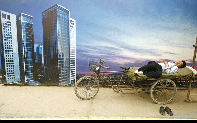 中共陸續祭出樓市新政,唯樓價未降反升,富者愈富,貧者更貧。(Getty Images)