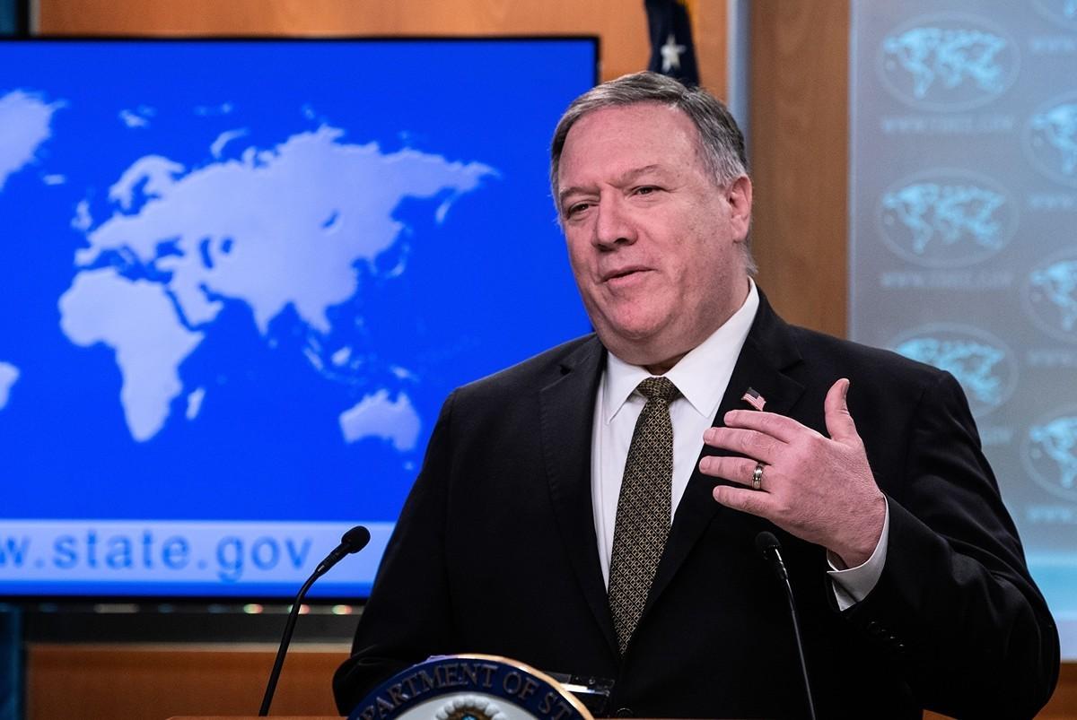 2020年5月3日,美國國務卿蓬佩奧接受媒體採訪時表示,有大量證據表明病毒來自武漢實驗室。圖為蓬佩奧資料照。(NICHOLAS KAMM/POOL/AFP)