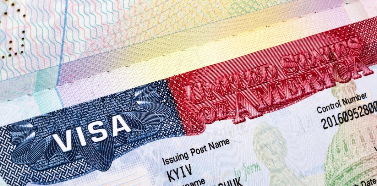 5月31日開始,美國要求簽證申請人提交社交媒體用戶名,包括移民簽證申請人和非移民簽證申請人。(Fotolia)