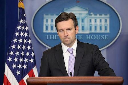 白宮發言人歐內斯特12日在例行記者會上重申,美方依然遵循「一個中國」的政策。(Chip Somodevilla/Getty Images)