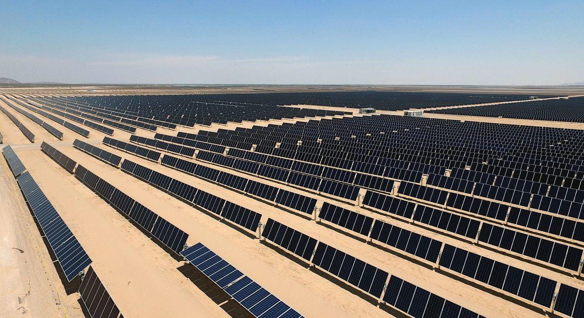 印度將興建亞洲最大的太陽能發電廠。圖為示意圖。(ALFREDO ESTRELLA/AFP via Getty Images)
