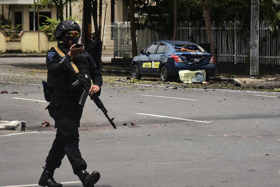 印尼教堂遭自殺炸彈客攻擊 20傷2疑犯死亡