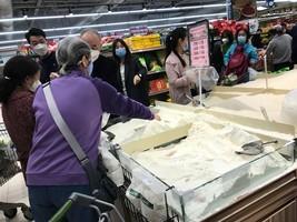 【拍案驚奇】中共為糧荒闢謠 海南現女版李文亮