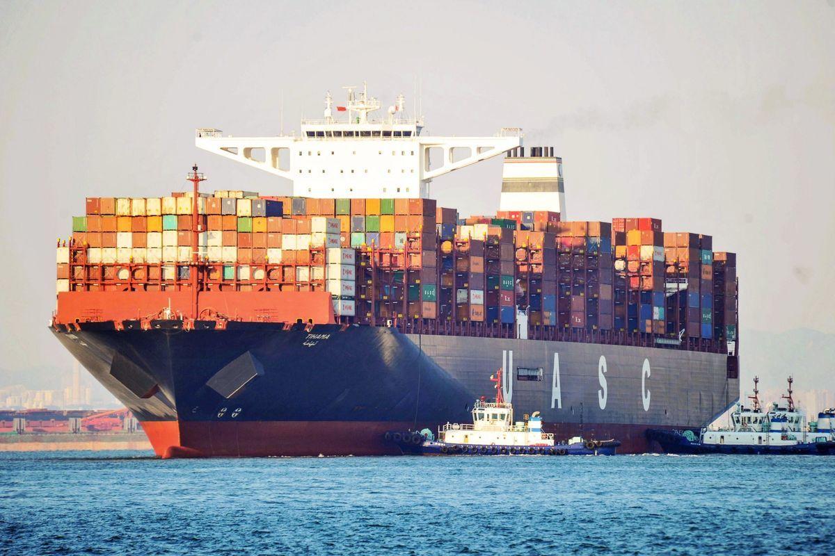 中國今日公佈12月進出口數據遠低預期,股市隨之下跌。分析認為,貿易戰的「巨浪已經淹至」,或迫使北京盡快「做出痛苦的選擇」。圖為海運示意圖。(STR /法新社/蓋蒂圖片社)