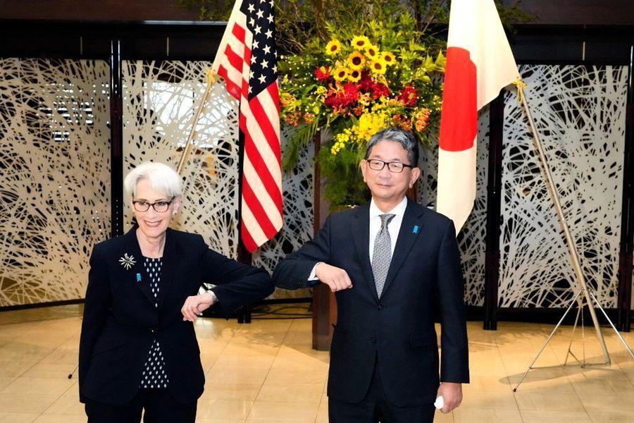 楊威:中美外交接觸一波三折誰尷尬