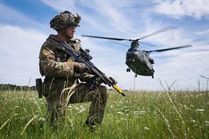 英國會委員會:必須禁止中共投資國防供應鏈