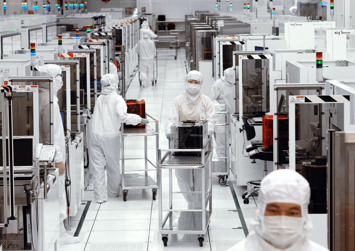 根據最新報告,中美之間的科技雙邊投資已下降了96%。這個趨勢正帶動各國加強技術和供應鏈的獨立性。圖為台灣台南科學園區中的12英吋聯電晶圓廠。(SAM YEH/AFP via Getty Images)