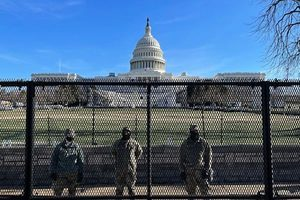 「別像個獨裁政權」美議員提案拆國會大廈圍欄