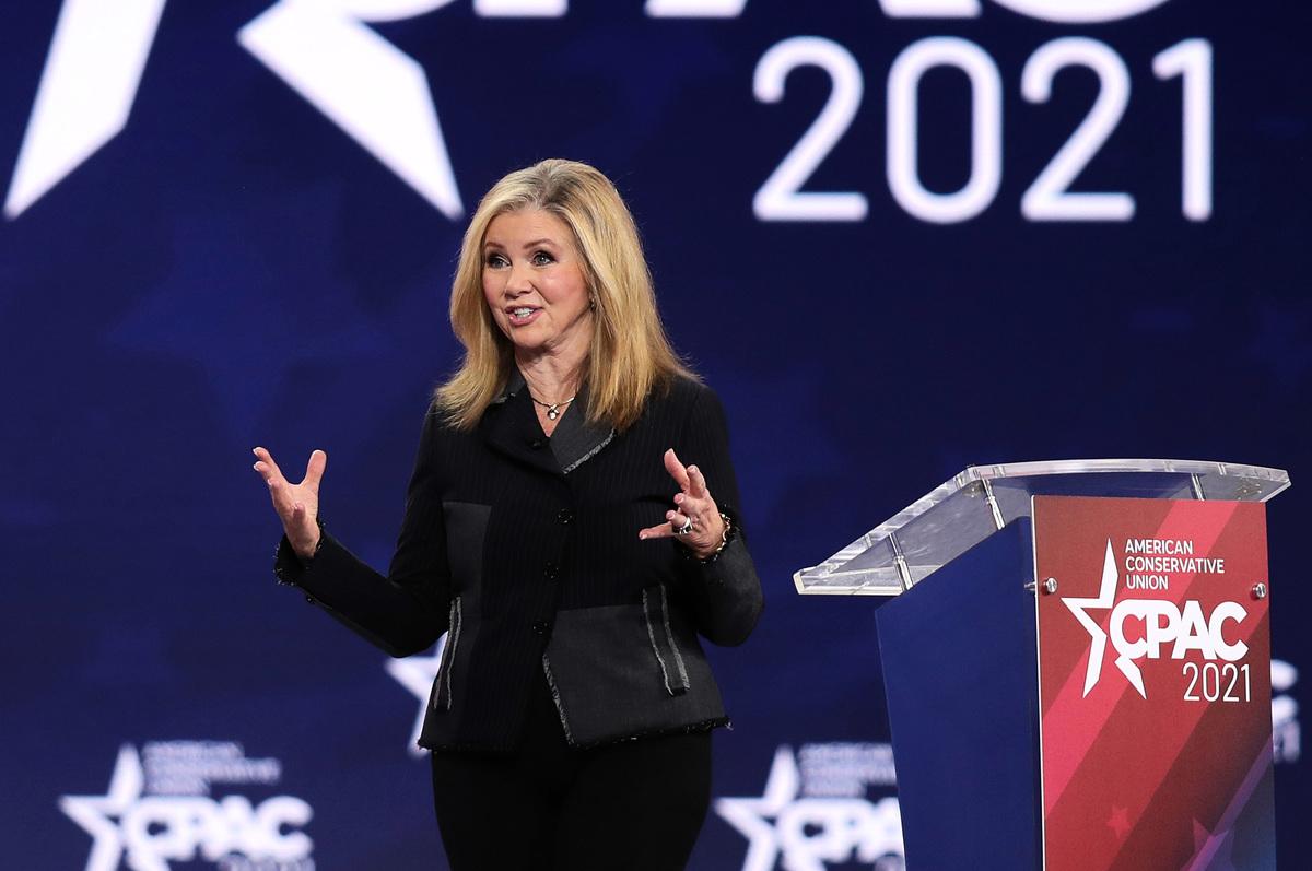 2021年2月26日,美國參議員瑪莎·布萊克本(Marsha Blackburn)在佛羅里達州舉行的保守派政治行動大會上發表講話。 (Joe Raedle/Getty Images)