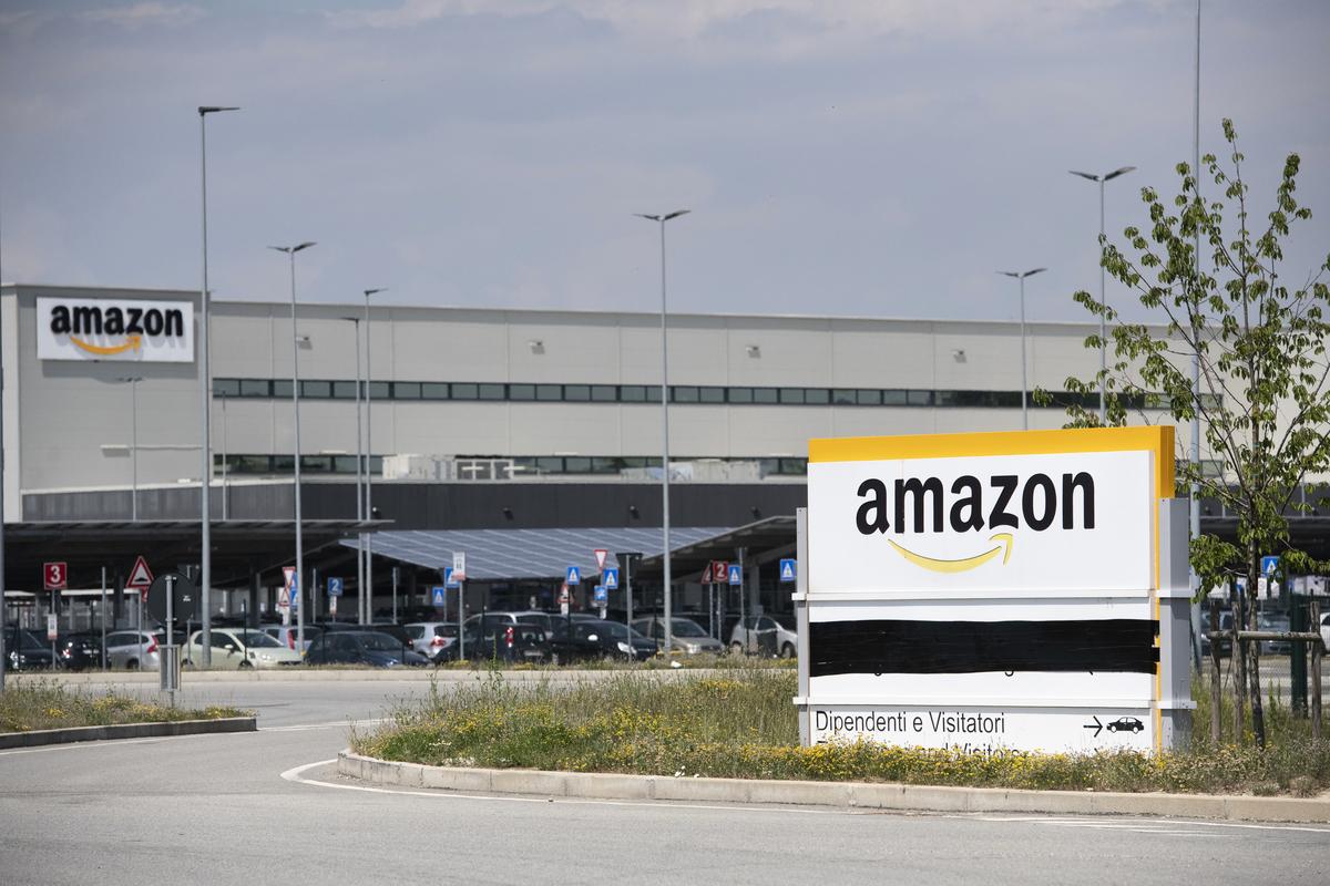 美國電商巨頭亞馬遜(Amazon)自2021年5月以來,開始對銷售平台進行整頓,致力於打擊平台上出現的盜版與山寨商品。(Stefano Guidi/Getty Images)