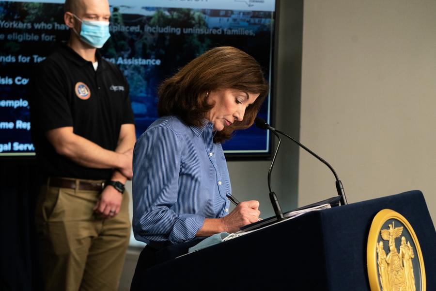 紐約州長簽署重大災害聲明請求 助災後重建
