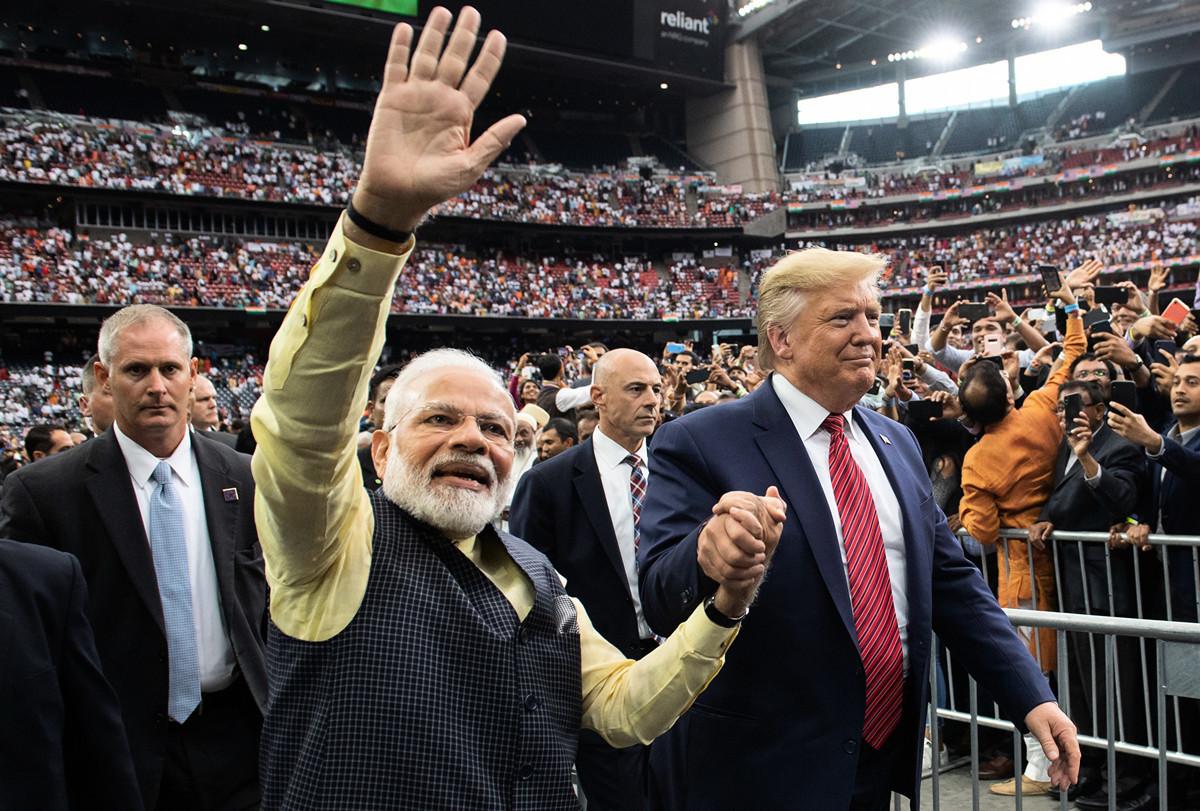 為了對抗中共在印度洋地區日益增大的影響力,印度支持美國在印度洋地區的防務參與。圖為印度總理莫迪和美國總統特朗普會面的資料照。(SAUL LOEB/AFP/Getty Images)