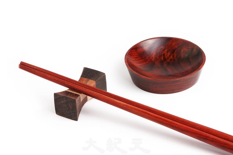 筷子「能文能武」 演繹千年人文典故
