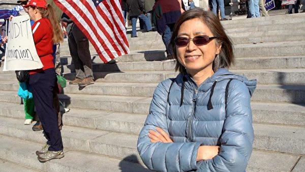 科技公司總裁秀蘭·斯塔茨(Sau Lan Staats)來到賓州議會大樓前表示,看到香港短時間失去自由,讓她希望自己能站出來為自由抗爭。(陳雷/大紀元)