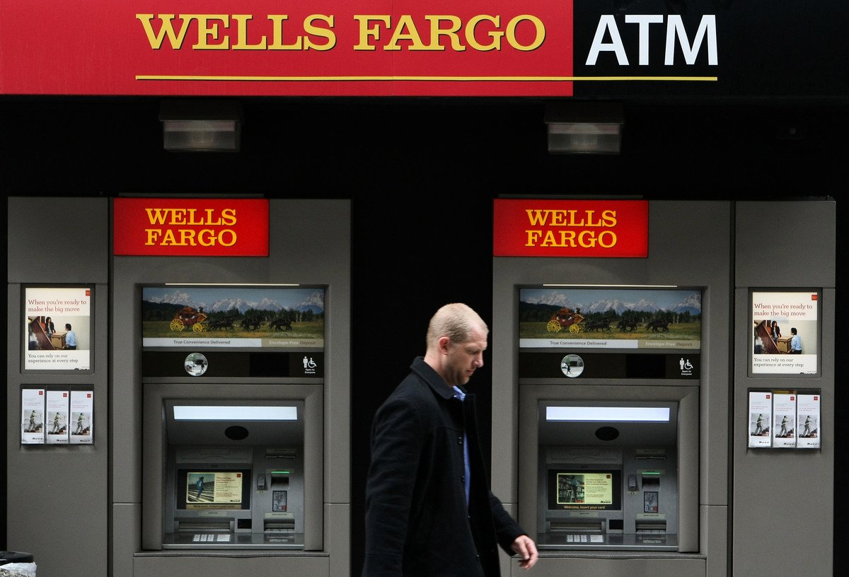 富國銀行(Wells Fargo & Co.)擬在今年晚些時候開始裁員數千人。(Justin Sullivan/Getty Images)