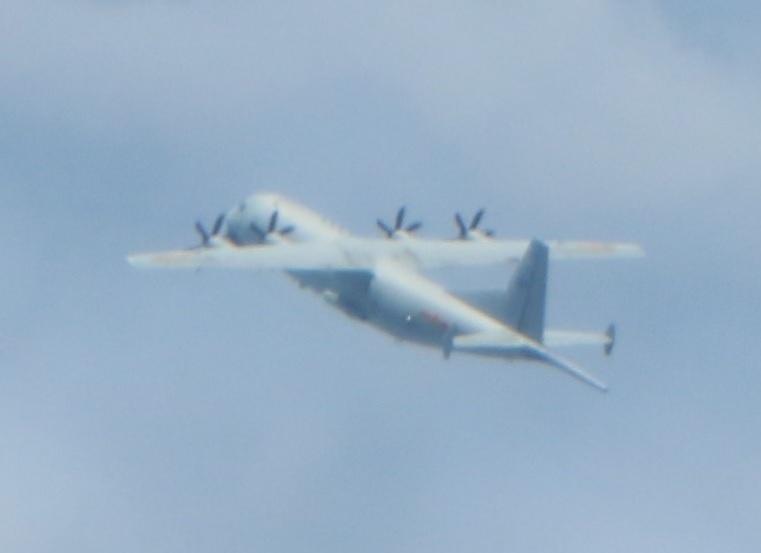 近半個月來,中共軍機頻繁擾台,從9月中旬至今至少51架次。與此同時,美國海軍通過巴士海峽進入南海,美國政府計劃增加對台灣的軍售。(國防部提供)