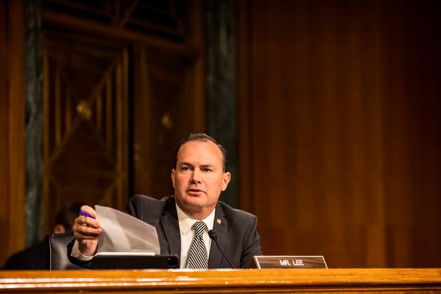 參議員:逼迫特朗普讓步是無視憲法程序和法治