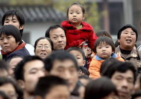 中共推出生育三胎相關政策 學者:真滑稽