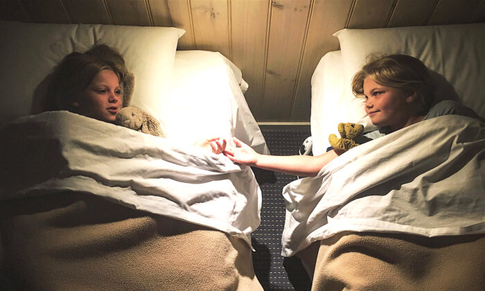 無論是就寢時間還是對其它行為的期望,設定明確的期望值——你的孩子就會遵守。(Getty Images)