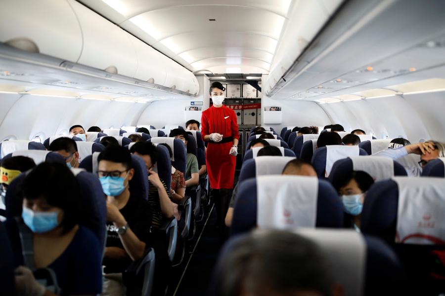 北京疫情致航班大減 飛洛杉磯票價上萬美元