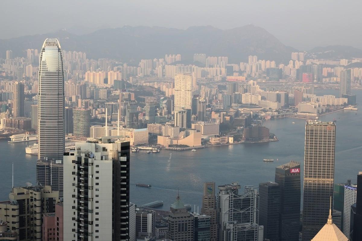 經濟民主聯合召集人賴中強表示,許多中資透過香港作為跳板。圖為香港市容。(Pixabay)
