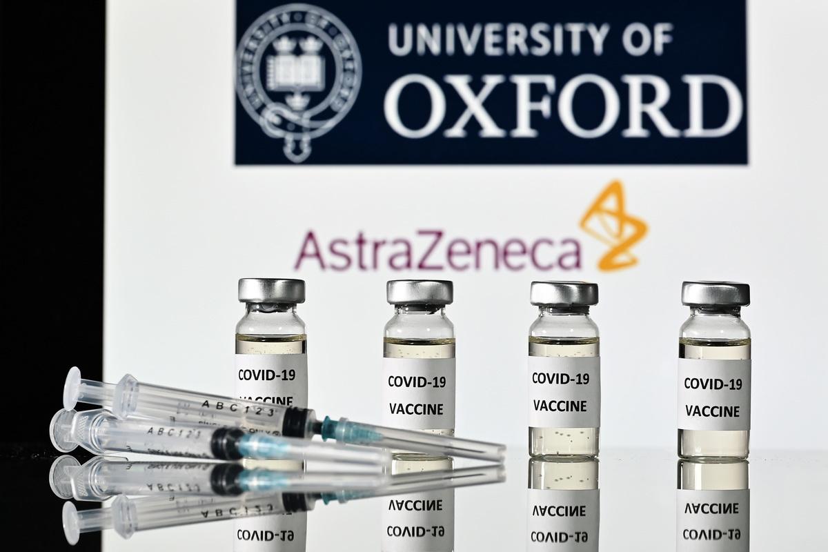 圖為英國製藥公司阿斯利康(AstraZeneca)與牛津大學研發的中共病毒(俗稱武漢病毒、新冠病毒)疫苗。(JUSTIN TALLIS/AFP via Getty Images)
