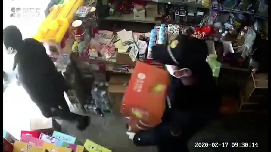 湖北鄂州城管藉防疫搶劫商戶 遭曝光後退財物