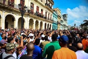 古巴全國反共示威遊行 美巴總統及多位美政要聲援